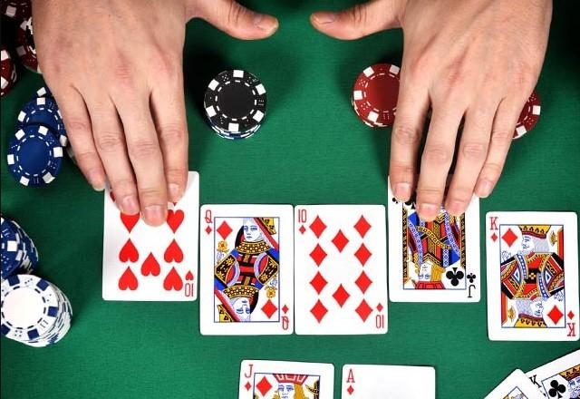 Играть в покер Техасский Холдем онлайн бесплатно на